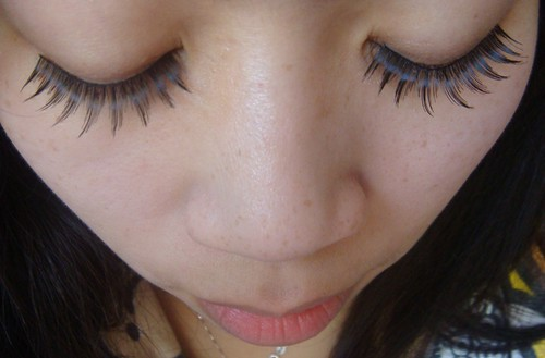Wearing KKCenterHK eyelashes