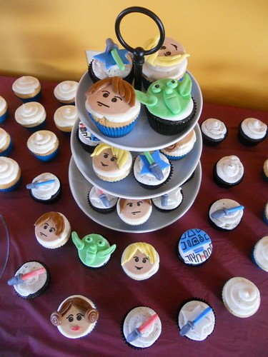 Lego Star Wars Birthday Party Cupcakes 2