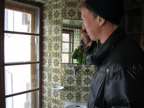Johan in ancient bathroom.