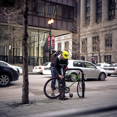 Chicago messenger (pianococtail) Tags: chicago 120 6x6 tlr film kodak super fixed fixie messenger courier 160 ricohflex