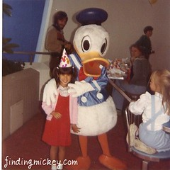 disneyland donald duck 1983