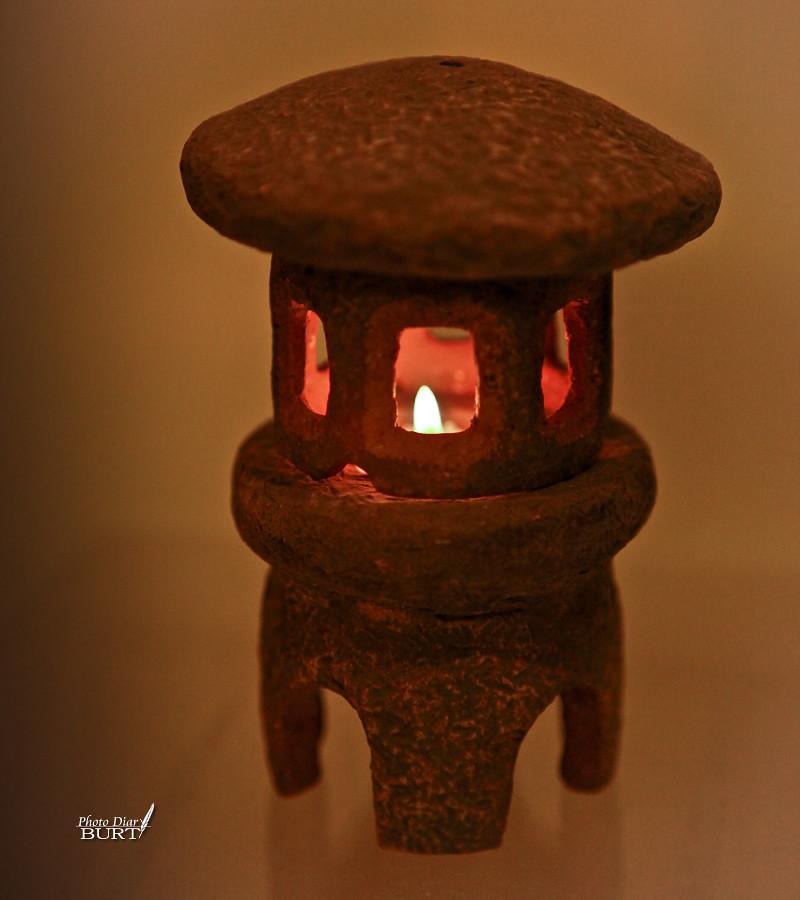陶製仿石燈籠
