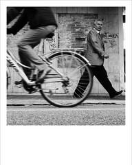 urbanium (kilometro 00) Tags: street portrait bw italy portraits photography casa strada italia bn persone urbano ritratti bianco ritratto nero treviso città uomini luoghi emozioni veneto suono visione urbani trevision italystreetphotography gliesclusi streetphotographytreviso fotodistradatreviso riiicercasociologica