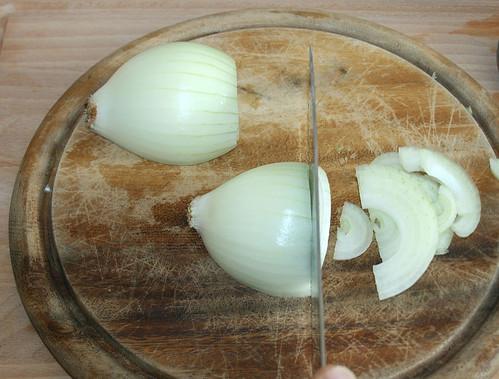 30 - Zwiebel schneiden