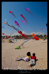 XIV Festival Internacional de Cometas (Juliogmilat Fotografa) Tags: espaa valencia festival mar nikon flickr playa arena cielo tamron d60 volar cometas juliogmilat