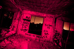 Want to Hang Out and Watch Some TV With Me? (Thomas Hawk) Tags: california usa abandoned america graffiti unitedstates 10 unitedstatesofamerica eastbay byron fav10 byronhotsprings