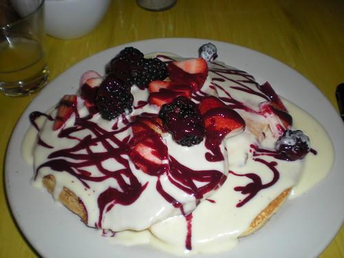 Bongo Room White Chocolate & 4 Berry Pancakes