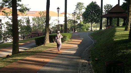 05052011-Morning walk at Canseri Garden