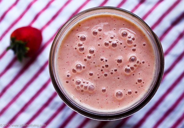 Strawberry Rhubarb Mango Smoothie