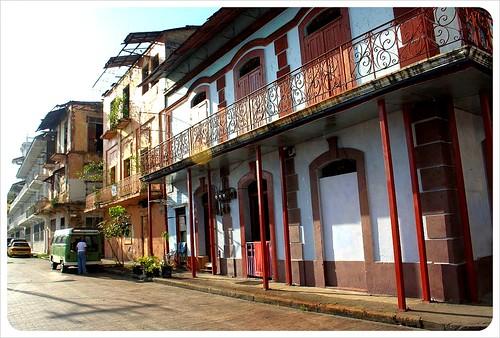 Casco Viejo building & street