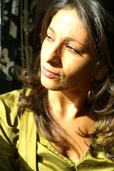 Tourne toi vers le soleil (Bissane) Tags: portrait face women femme visage