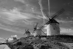 IMG_7680 (Fencejo) Tags: bw blackandwhite quijote monsters la mancha tamron175028 canon400d