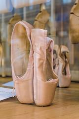 Never give up your dreams (KeYmA78) Tags: france francia parigi paris travel travelphotography dance danceshoes pink danza scarpettedadanza dancers