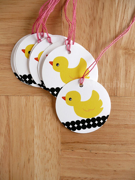 Yellow Duck round tag