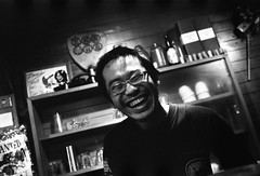 mohi (troutfactory) Tags: portrait film japan laughing friend voigtlander bessa rangefinder  analogue kansai bartender  fujineopan1600 r2a