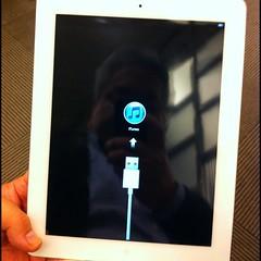 iPad 2 White と対面の儀。