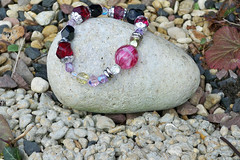 *  PINKS PURPLES Bracelet - Glass Beaded Bead Elastic