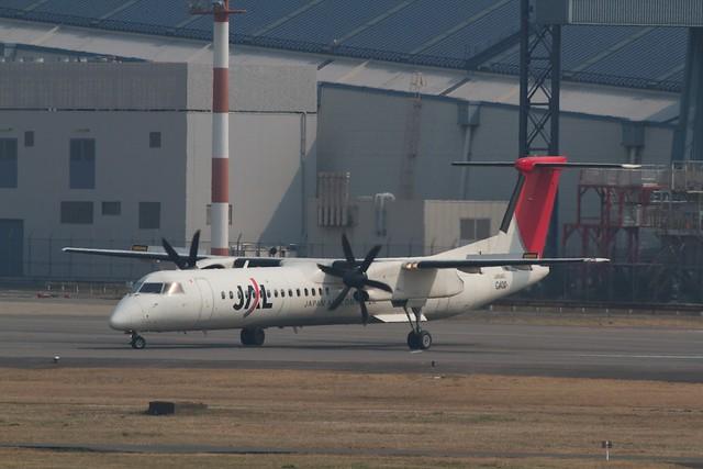 JAL Dash-8 Q400