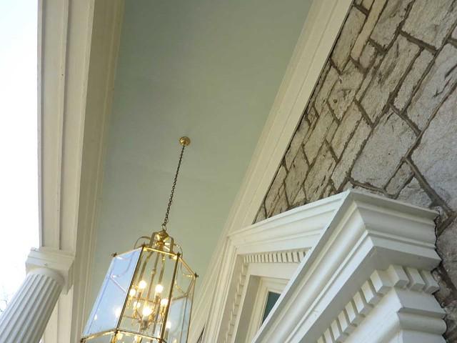 P1090453-2011-04-04-Ormewood-Park-Presbyterian-Church-Door-Portico-Blue-Ceiling