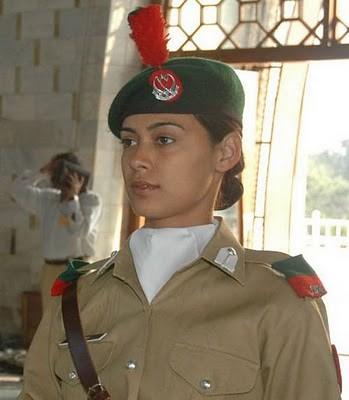 Military_Women_31