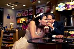 [フリー画像] 人物, カップル・恋人・夫婦, イベント・行事・レジャー, 結婚式, ウエディングドレス, 201104121300