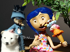 Coraline | Winter, you better go home!!! (Yumi_in_Wonderland) Tags: winter summer ice movie toys doll action o c cream n r e figure button l bluehair nightmarebeforechristmas theothers neilgaiman bendy coraline a i henryselick imafraidofbuttons