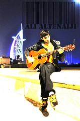 ♥ اذا ناوي تروح ابفهم وين اروح ♥ (3l0o0y) Tags: guitar jumera