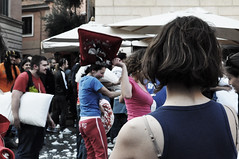 Roman Pillow Fight 6 (bryenh) Tags: rome roma fight nikon events trastevere pillow pillowfight d90 cuscini piazzasantamariaintrastevere romanpillowfight nikond90 battagliadicuscini romanpillowfight6 10042011