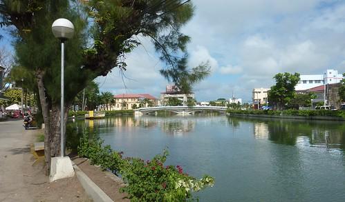 Panay-Roxas-plaza centrala (2)