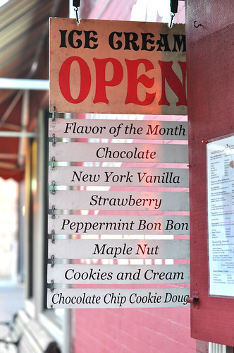 Brown's Ice Cream Flavors at Leo's Grill & Malt Shop ~ Stillwater, MN