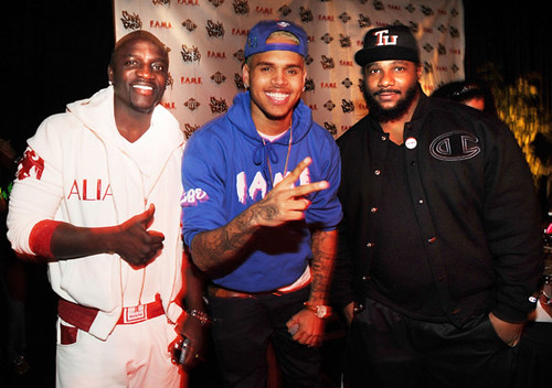 Akon-Chris-Brown-and-Polow-da-Don-pose-at-the-Tribute-To-Team-Breezy-F.A.M.E.-Album-Secret-Listening-Session