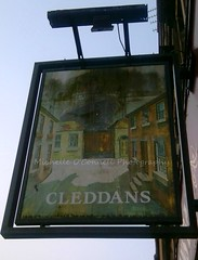 The Cleddans Bar (Michelle O'Connell Photography) Tags: road park house public bar sunrise photography pub michelle sunny tavern oconnell radnor clydebank kilbowie radnorstreet cleddans