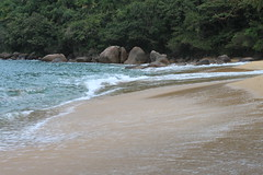 Praia do Cedro, Ubatuba, Brasil (adrianof2) Tags: ubatuba sãopaulo brazil brasil praiadocedro litoralnorte litoralnortepaulista beach mataatlantica atlanticrainforest brazilianlandscape paisagem landscape