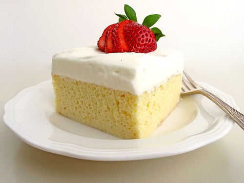 Gastronomer's Guide: Tres Leches Cake