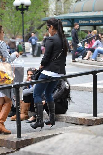 new york city nyc red bottom christian heels streetstyle loubuion
