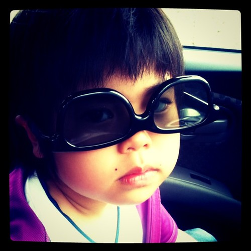 3Dメガネをかけてご機嫌(*^_^*)