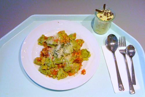 Tortelloni mit Basilikumpesto