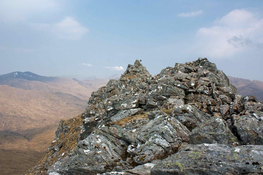 Spur ridge to summit of Sgurr a' Bhealaich Dheirg