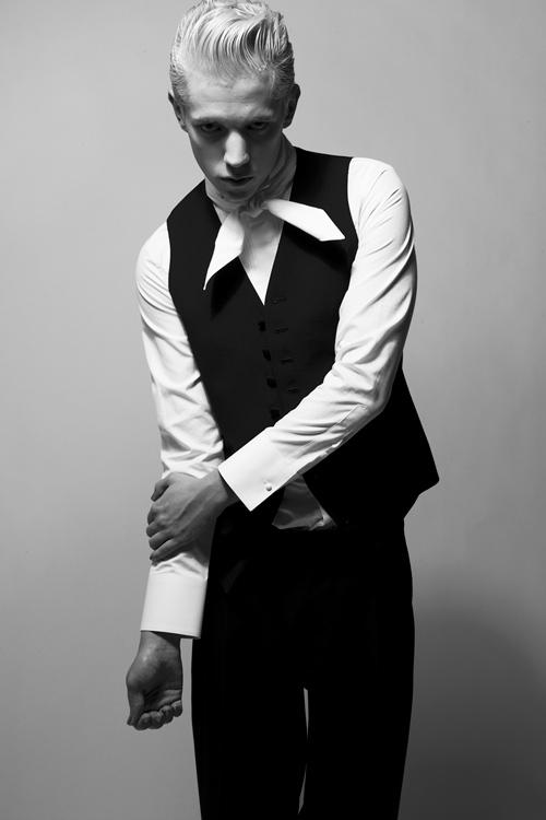 Adam 0015_QL AW11(Fashion Press)
