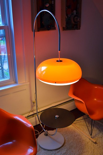 Space age looking Lamp With Side Table