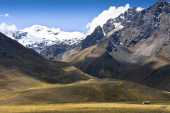 Mountains at La Raya (doveoggi) Tags: snow mountains peru landscape la cusco paisaje paisagem abra andes raya montanhas montaas puno 5124 laraya the4elements
