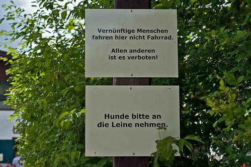 Vernünftige Menschen fahren hier nicht Fahrrad. Allen anderen ist es verboten.