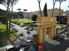 DSCN1559 (Starcadet) Tags: italien pantheon christen kaiser rom nero römer forumromanum papst vatikan antike petersdom petersplatz kolosseum engelsburg benediktxvi audienz cäsar