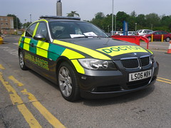 Emergency Doctor / BMW 325i / Rapid Response Car / LS06 MBV (Chris' Transport Pics) Tags: emergency doctor bmw 325i rrv rapid response vehicle car unit ls06mbv broomfield hospital chelmsford nhs national health service trust life savers saving threatening ambulance blue lights medic medical 999 112 siren blues and twos leds strobes rotators lightbars light bars speed paramedic england uk united kingdom 911 samsung pl90 vluu sl630 pl81 fujifilm finepix fine pix fuji film s2750 hd