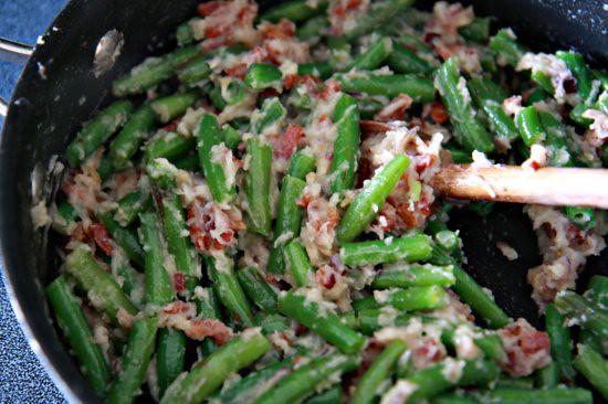 Creamy Green Beans - The Noshery