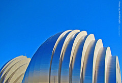 Kauffman Center, 5 April 2011 (photography.by.ROEVER) Tags: building architecture afternoon bluesky structure kansascity april kc newbuilding kcmo downtownkansascity kansascitymo 2011 kansascitymissouri downtownkc skyarchitecture kansascityarchitecture blueskyarchitecture kauffmancenterfortheperformingarts april2011 kauffmancenter kcarchitecture