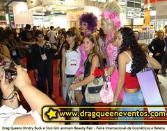 Eventos Corporativos - Drag Queens agitam Beauty Fair (Dindry) Tags: drag maquiagem talent formatura casamento dragqueen aniversrio cabelo inaugurao maersk chdebeb cabeleireiro beautyfair tecnisa festadeconfraternizao sissigirl dindry dindrybuck feiradabeleza