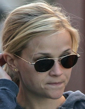 fashion sunglasses- Reese Witherspoon