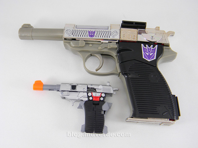 Transformers Megatron Reveal the Shield Legends - modo alterno vs G1