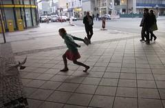 on street (twinlupo) Tags: street people berlin germany leute child unter taube der gegenlicht steglitz joachin jagen tiburtiusbrücke schlosstrase schildhornbrücke aufscheuchen